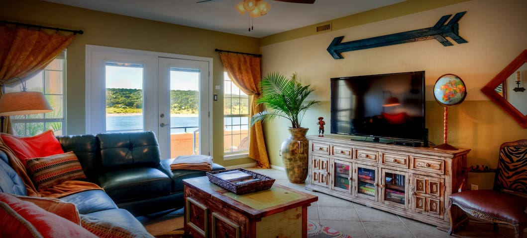 Casita del lago lake travis at the island villas for for Cabine del lago casitas