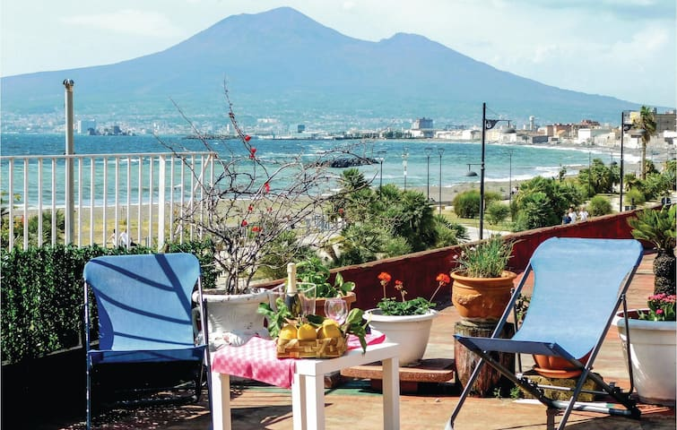 Holiday cottage with 5 bedrooms on 180m² in Castellammare di Stabi