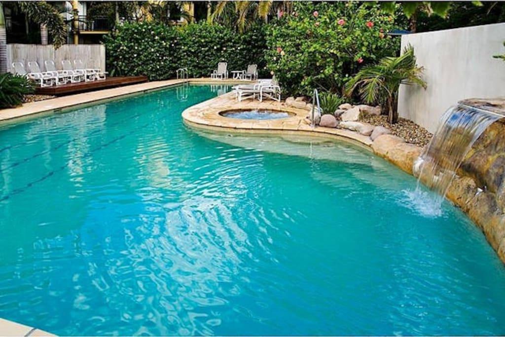 Lagoon pool & spa