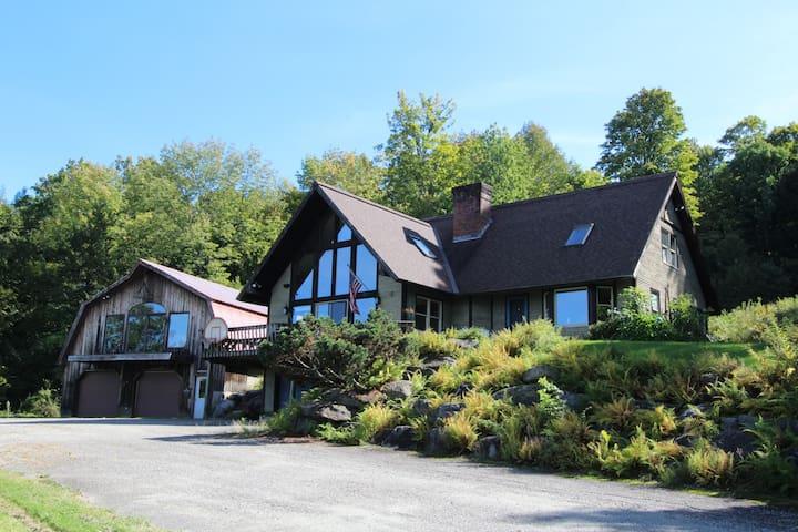 Cozy Mountain Home w/Million $ View