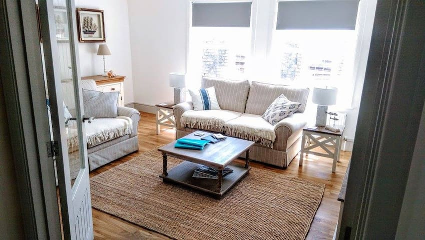 Harbour Retreat Padstow - Entire Apartment