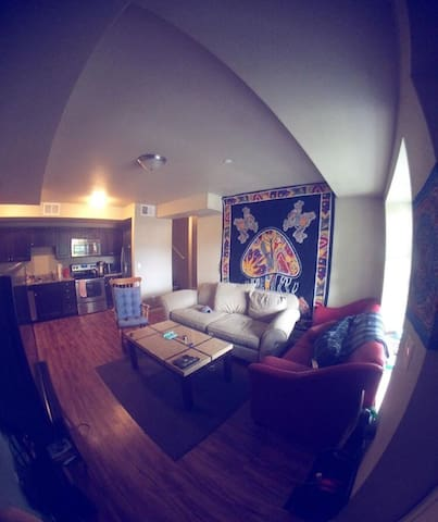 Newly Renovated Spacious Apartment on the Hill - Boulder - Pis