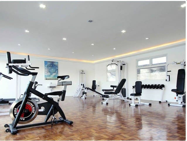 Beautiful 1 BR Condo, BF Homes, Las Pinas City - Las Pinas City - Pis