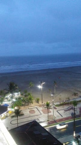 Apt 1 dor praia grande guilhermina linda vista mar