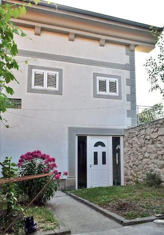 Cute & cozy room- town center - Cetinje - Daire