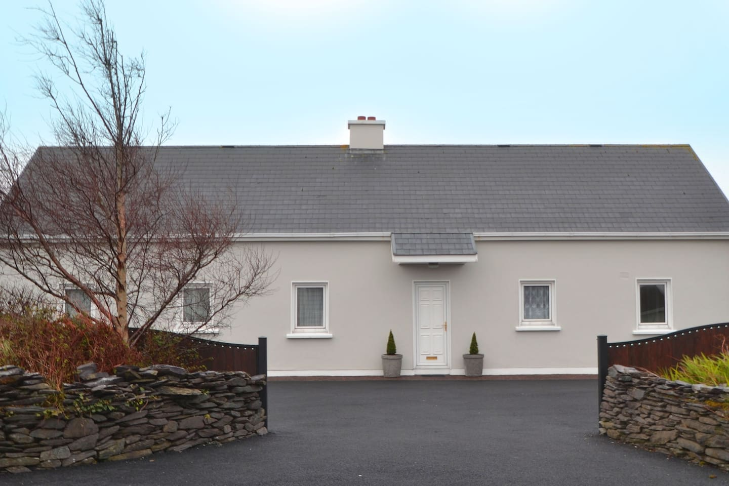 Full view of house with front entrance (entrance which is available for rent)
