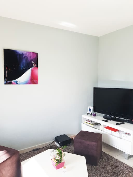 Coin cosy tv
