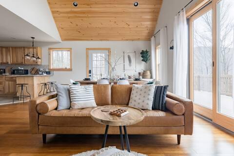 Escape to Romantic Cabin in the Catskills