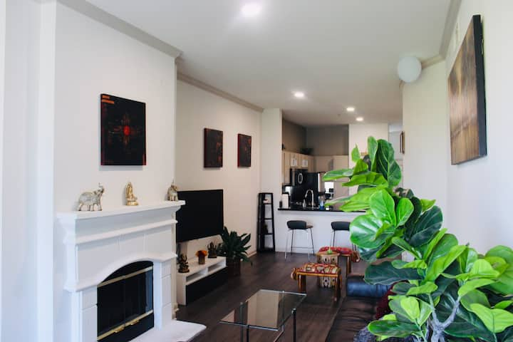 ✨Authentic & Charming 1BR Apt DownTown ATX ✨