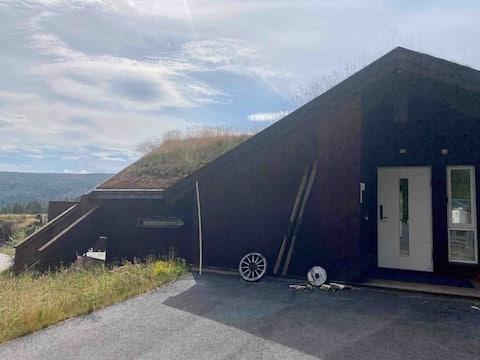 Familiehytte med panoramautsikt på Bortelid
