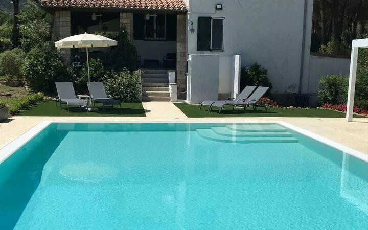 Villa Elefra, un sogno con piscina