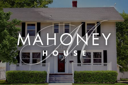 The Mahoney House - your house in Russell
