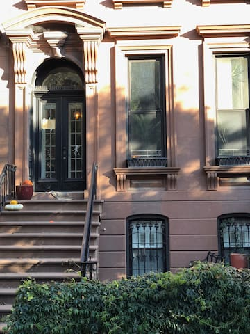 Large, private apartment in restored Brownstone.