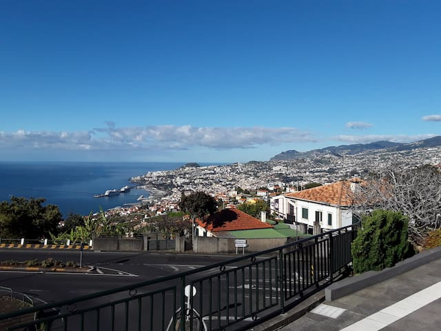 L Comfortable Floor Extraordinary View Funchal/Sea - São Gonçalo - 公寓