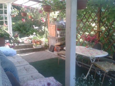 Słoneczny przyjazny Dom pod Różą.