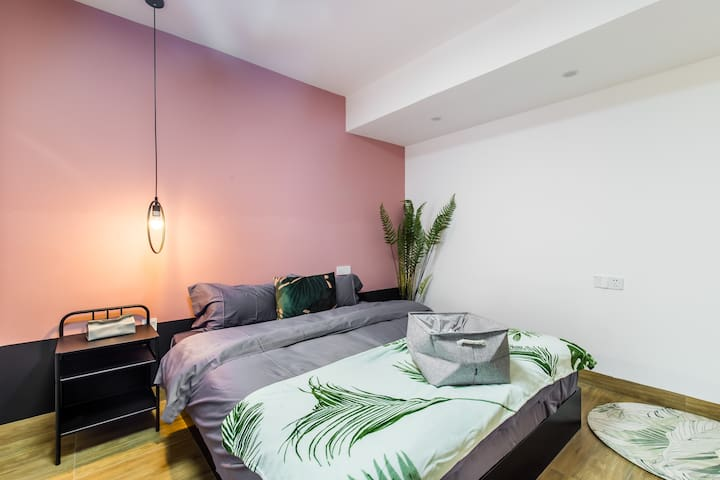 APT close Guilin Sation , enjoyable two-roomed apt