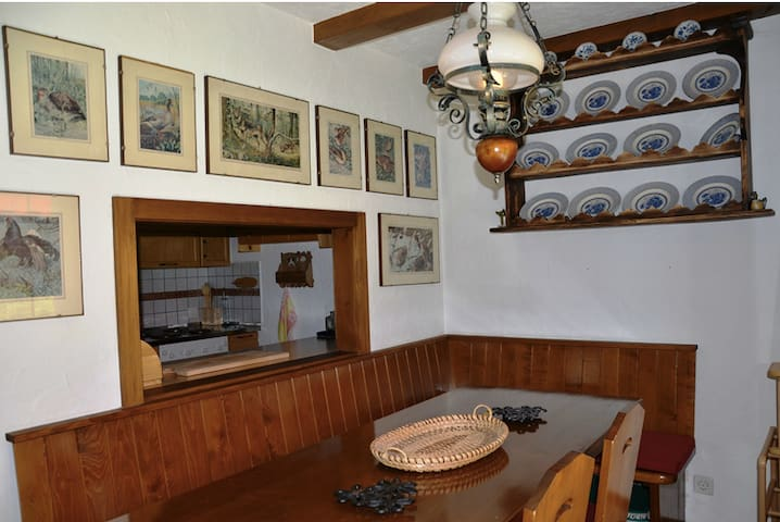Cozy Chalet Rougemont-Gstaad - Rougemont - Apartment