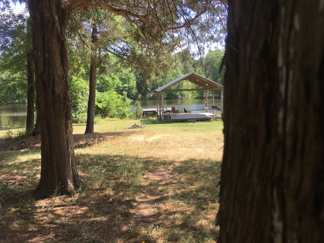 Twin Lakes -Camping with covered lakeside pavilion