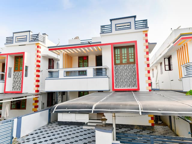 OYO - Lively 1BR Abode near Thumba Beach🏝 - 2km Away
