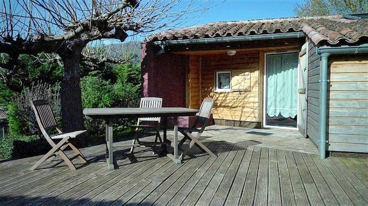 Chalet a la montaña de 3 habitaciones en Saint-Pons-de-Thomières, con magnificas vistas a las montañas, terraza amueblada y WiFi - a 63 km de la playa