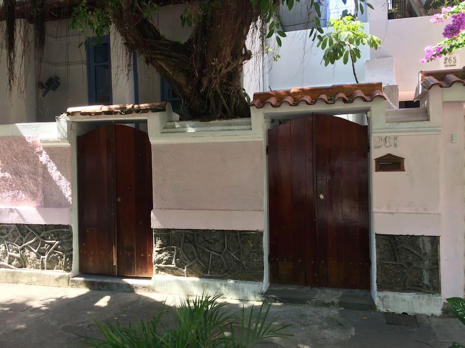 Portões Casa 01 e Casa 02