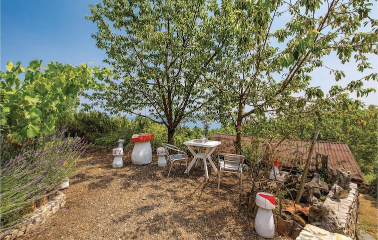 Holiday cottage with 1 room on 27m² in Moscenicka Draga