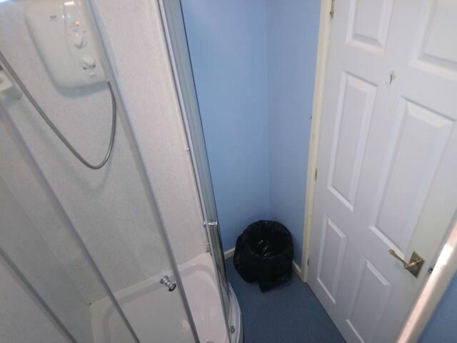 Double Ensuite Room @Grafton House