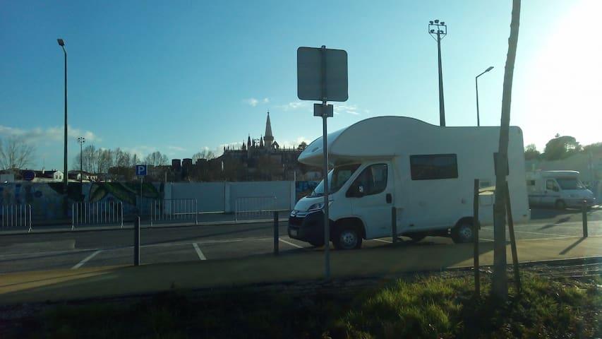 Autocaravana / Motorhome Batalha - 5 Pessoas
