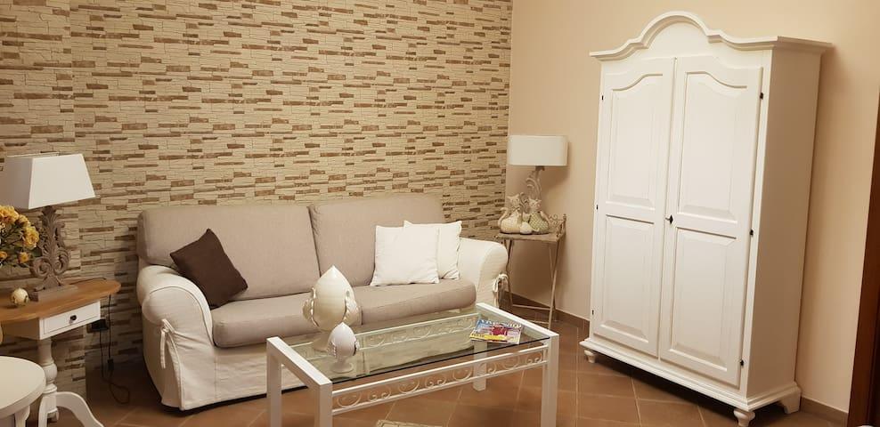 Appartamento con terrazzino attrezzato