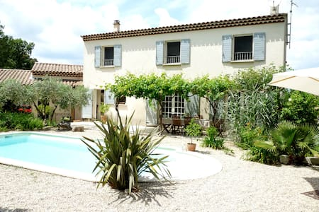 Location Maison 4/6 personnes entre Nîmes et Uzès - Sainte-Anastasie - Villa