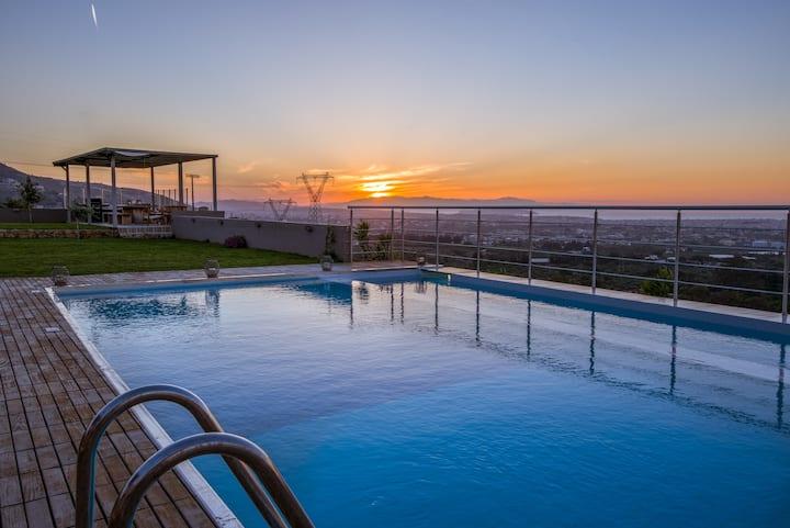 Kedria Villa & private heated pool
