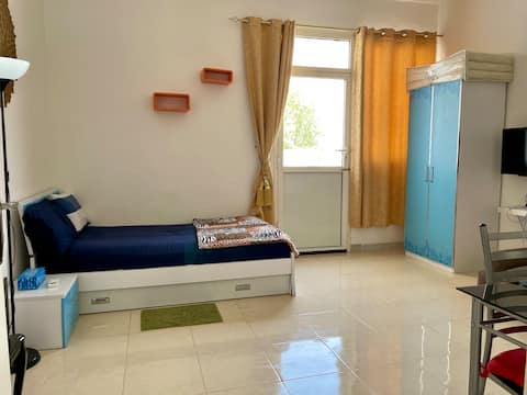 FURNISHED STUDIO WITH OWN PRIVATE ENTRANCE