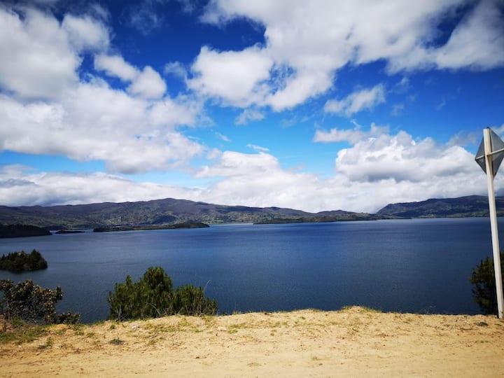 Hospedaje y camping cerca a la Laguna de Tota.