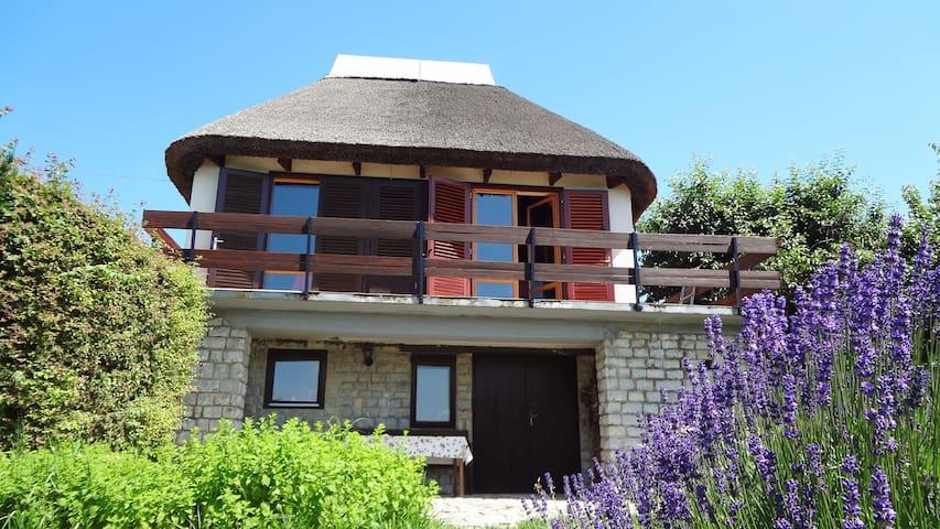 Villa Levendula Szigliget - Szigliget - Villa