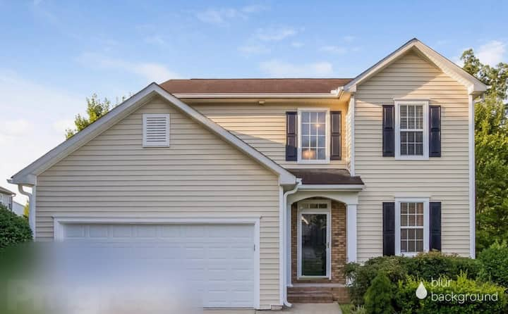 Entire Home in Suburban Area 16 minutes From Atl