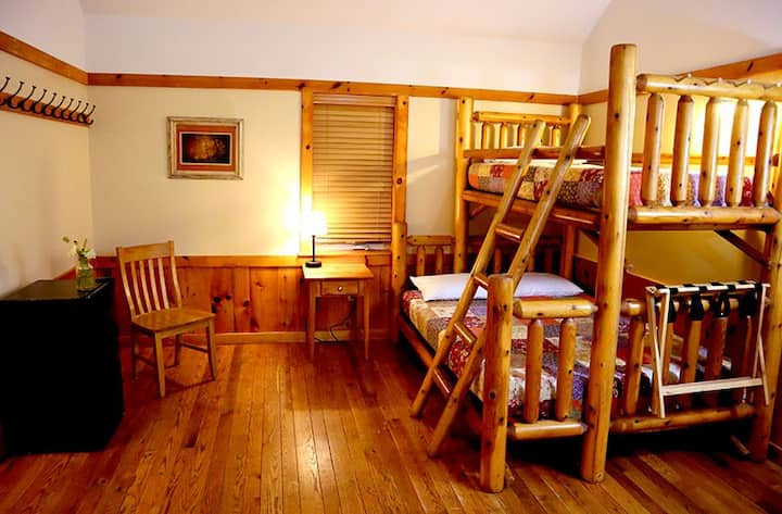 Sycamore Lodge (Accessible) includes all meals, onsite nature trails & more