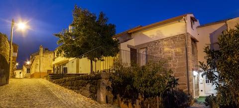 Casa dos Navegantes  integrada na zona histórica