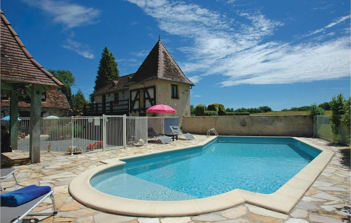 Beautiful home in Savigvac-Lédrier with WiFi, Outdoor swimming pool and 1 Bedrooms