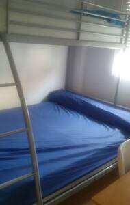 Habitación triple, piso en bajo. - Molina de Segura