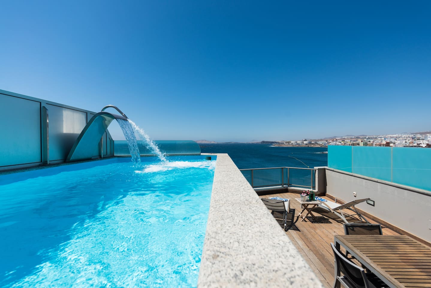 Enjoy our jets in the swimming pool!