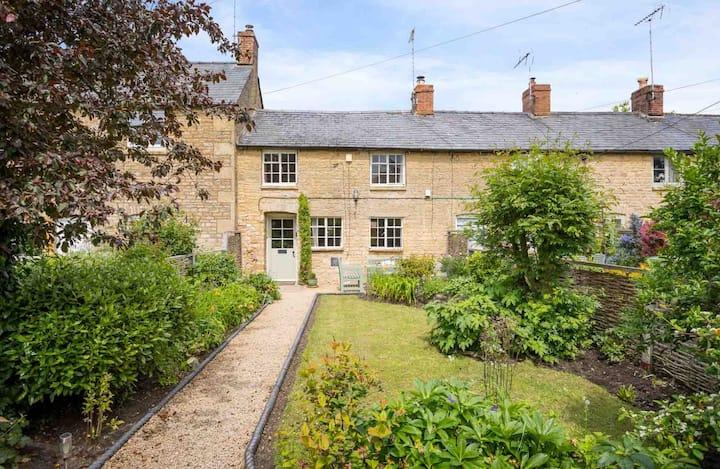 Robin Cottage, Little Compton
