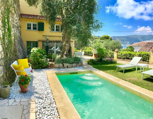 Villa Le Relais:Apartment-villa with pool, seaview