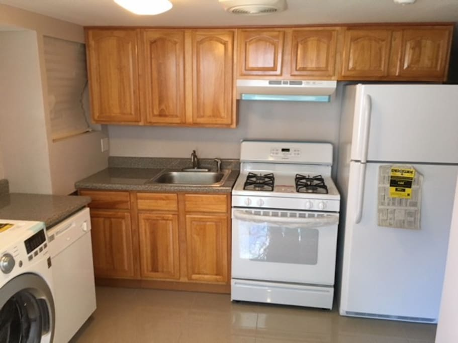 Compact kitchen & laundry