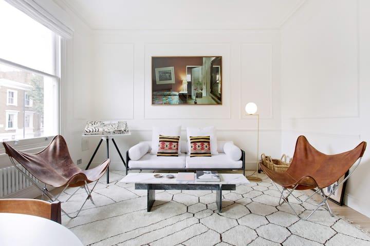 Designer Apartment Close to Chelsea