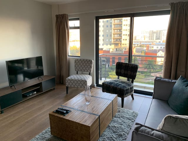 Luxurious apartment in the heart of Century City