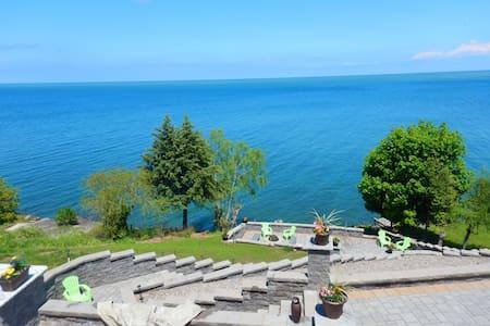 True North Lakeside Retreat
