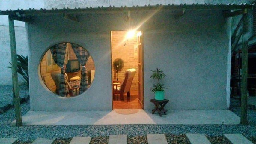 Habitacion rustica y bella - colonia del sacramento - Rumah
