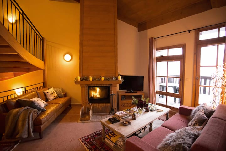 Arc 1950 Stunning 4 Bedroom Chalet Apartment