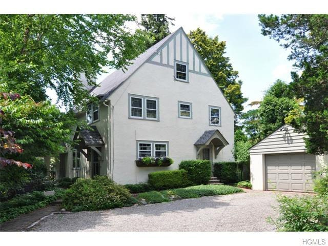 3br English Cottage in Tarrytown