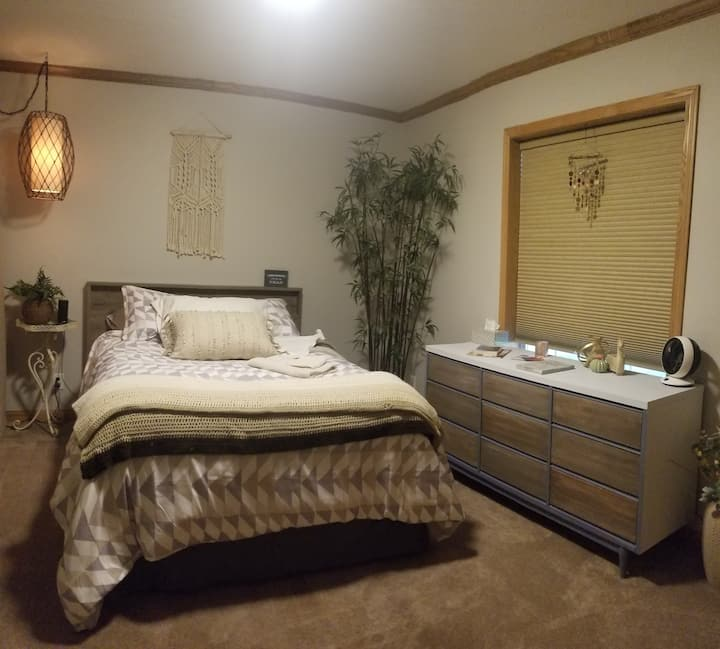 Cozy Room off Historic Route 66